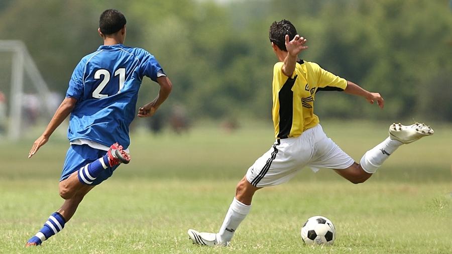 soccer-1457988_1920
